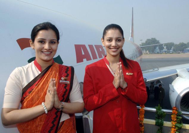 karobar-Air-India-Flight-delays-dismiss-17-air-hostess-272-cabin-crew-members-dismiss-news-in-hindi-india-94762